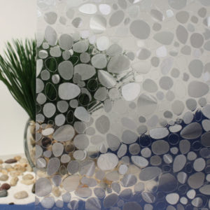 R087127 Cut Glass Pebbles